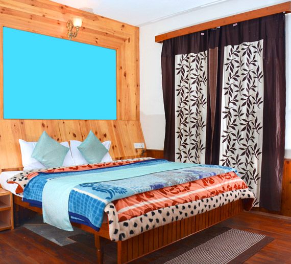 Hotel Rajhans Manali and hotel booking Room